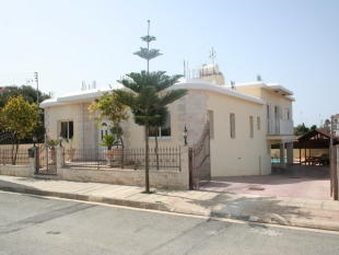 Detached house for sale in Deryneia, Famagusta