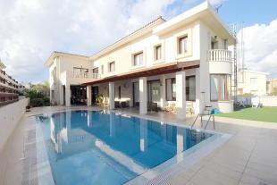 5 bedroom Detached property for sale in Chlorakas, Paphos