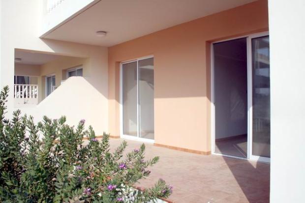 Covered veranda and