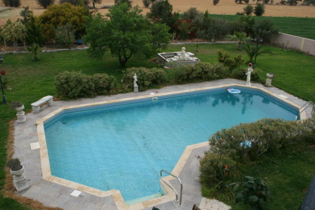 pool area from upsta