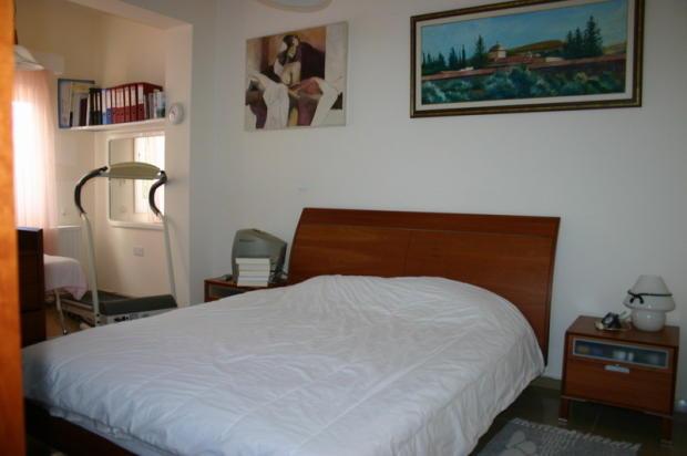 Master bedroom of sm