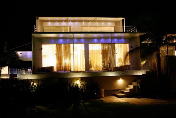 the house by night