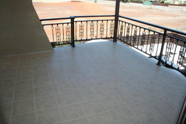 Bedrooms 1,2 balcony