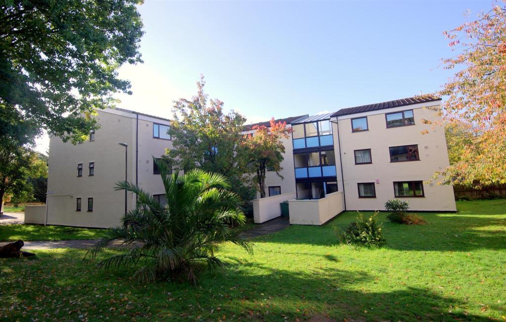 2 Bedroom Flat To Rent In Mills Road Devonport Pl1