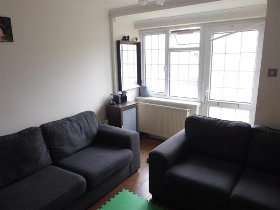 Sainsburys Homebase Ceiling Lights : Bedroom maisonette for sale in kenilworth avenue harrow