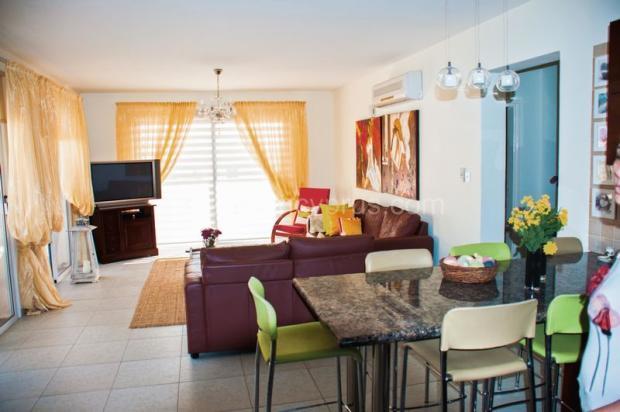 Living area /...