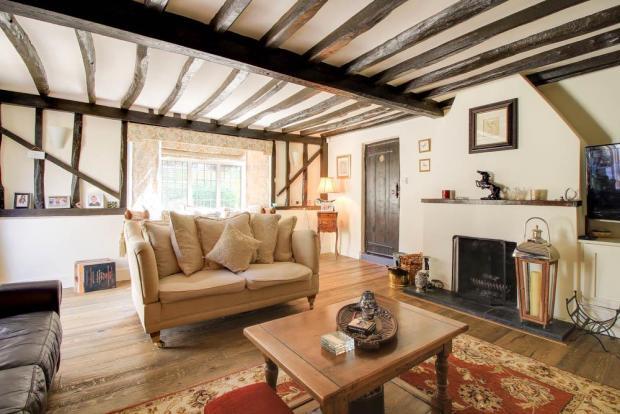 Oast Cottage 72dpi-2