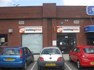 Shop to rent in 4 Hailsham Place...