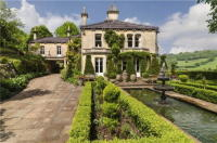 5 bedroom Detached property for sale in Warminster Road...