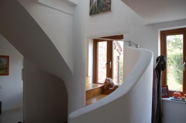 Staircase lower