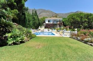 Villa for sale in Andalusia, M�laga, Mijas