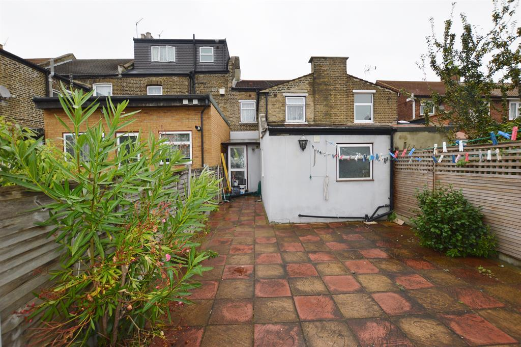 3 bedroom terraced house for sale in raymond road