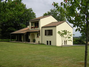 4 bed property in THIVIERS , Dordogne ...