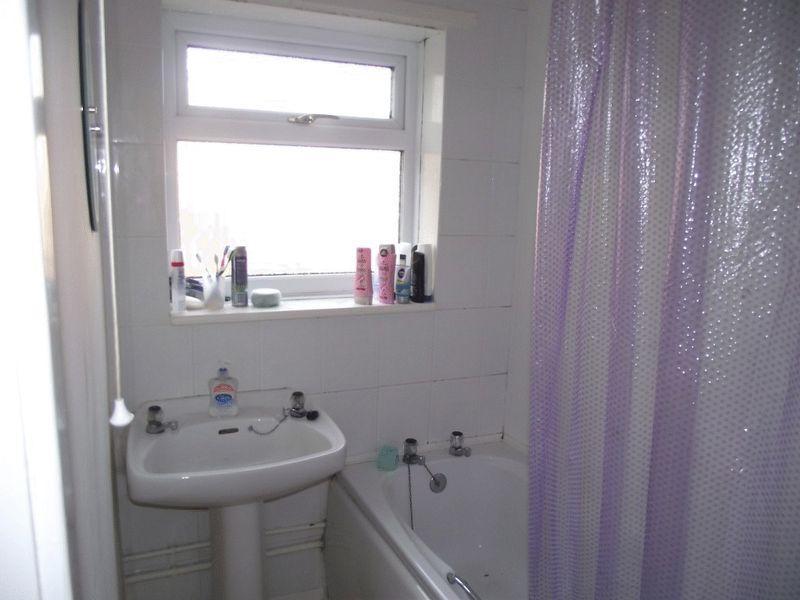 Bathroom - Flat