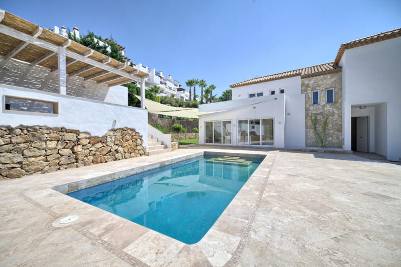6 bed Villa for sale in Puerto del Capitan...