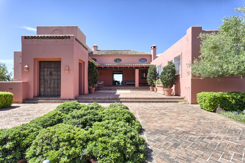 5 bedroom home for sale in Marbella Club Golf...
