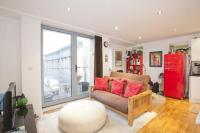 2 bedroom Flat in Wadeson Street, London...