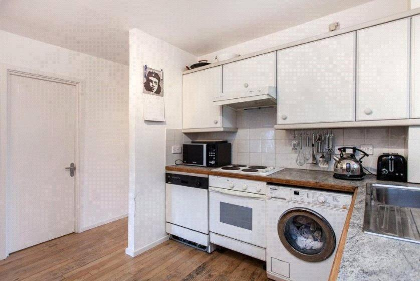 1 bedroom apartment to rent in st james court 331 bethnal for Furniture xpress bethnal green