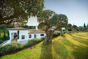 Villa for sale in Sotogrande Alto...
