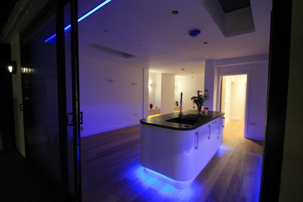 Night - Kitchen