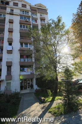 Tivat, Center 180-8