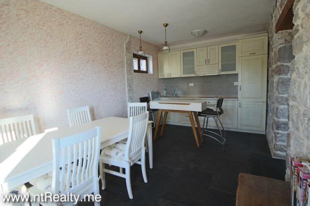 Cottage 189-12