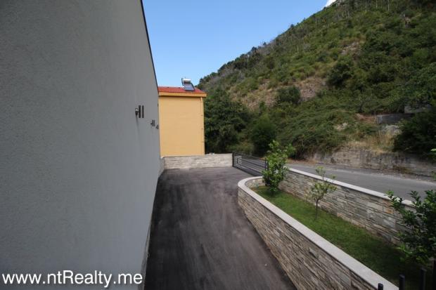 Kavac, Villa, 97-33