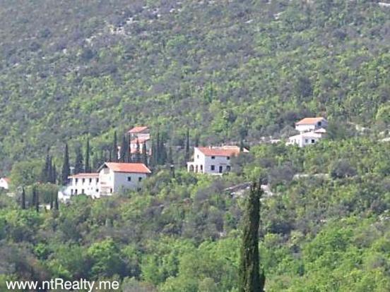 Eraci, Villa 107-6