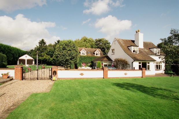 Brook Cottagefront 1a.jpg
