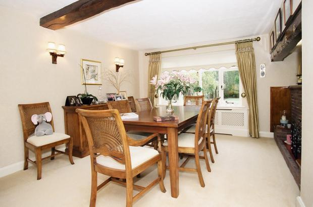 Brook Cottage dinningroom 1b.jpg