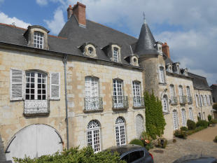 Baugé Stone House for sale