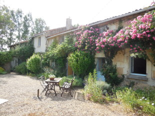 4 bed Character Property for sale in Pays de la Loire...