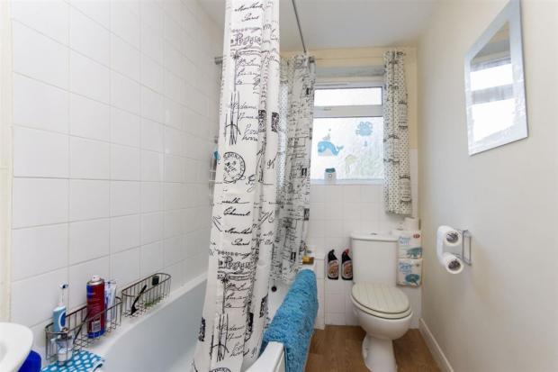 bedsit - bathroom