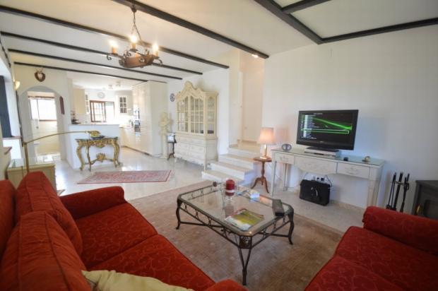 Living room2 (2)