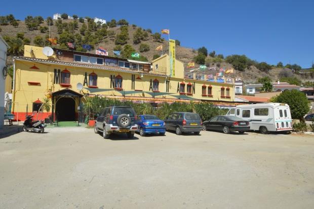 Hotel & bar & restau