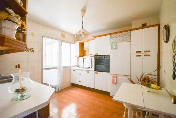 YPIS1354_12_Kitchen