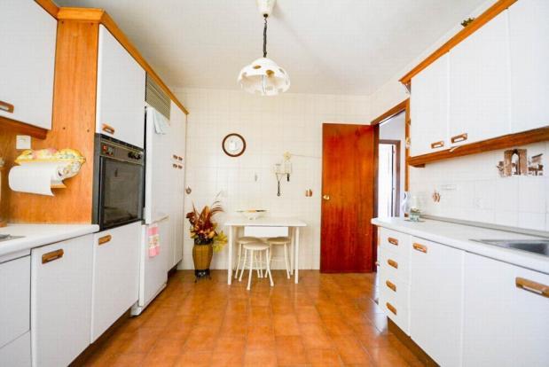 YPIS1354_13_Kitchen-