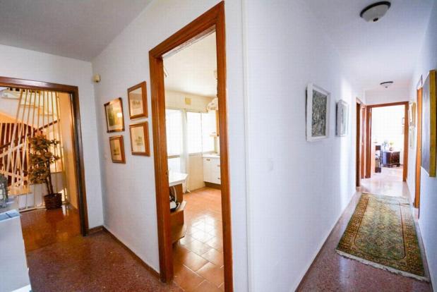 YPIS1354_16_Corridor