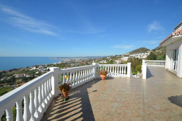 Terrace & views.