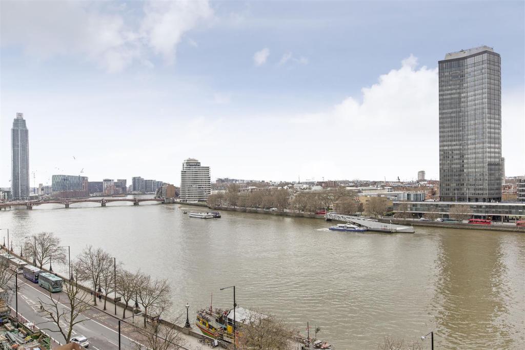 Riverview 1.jpg