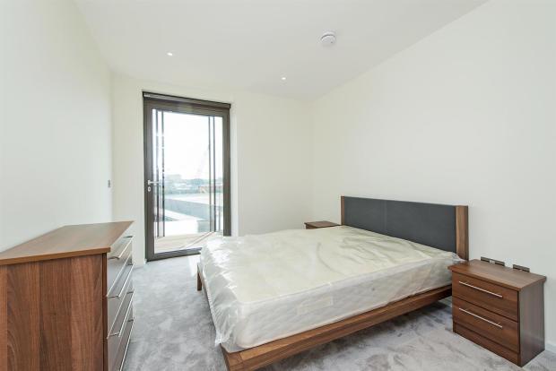 F34 Bedroom.jpg