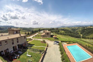 2 bed Farm House in Tuscany, Siena...