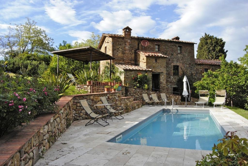 5 bed Farm House in Tuscany, Siena...