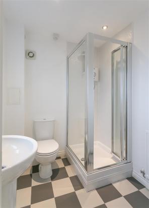 En-Suite (Bedroom On