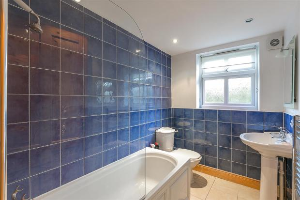 Bathroom (Annexe)