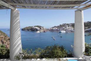 7 bedroom Villa for sale in Via Giancos, Ponza...