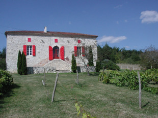 2 bed home in Aquitaine...