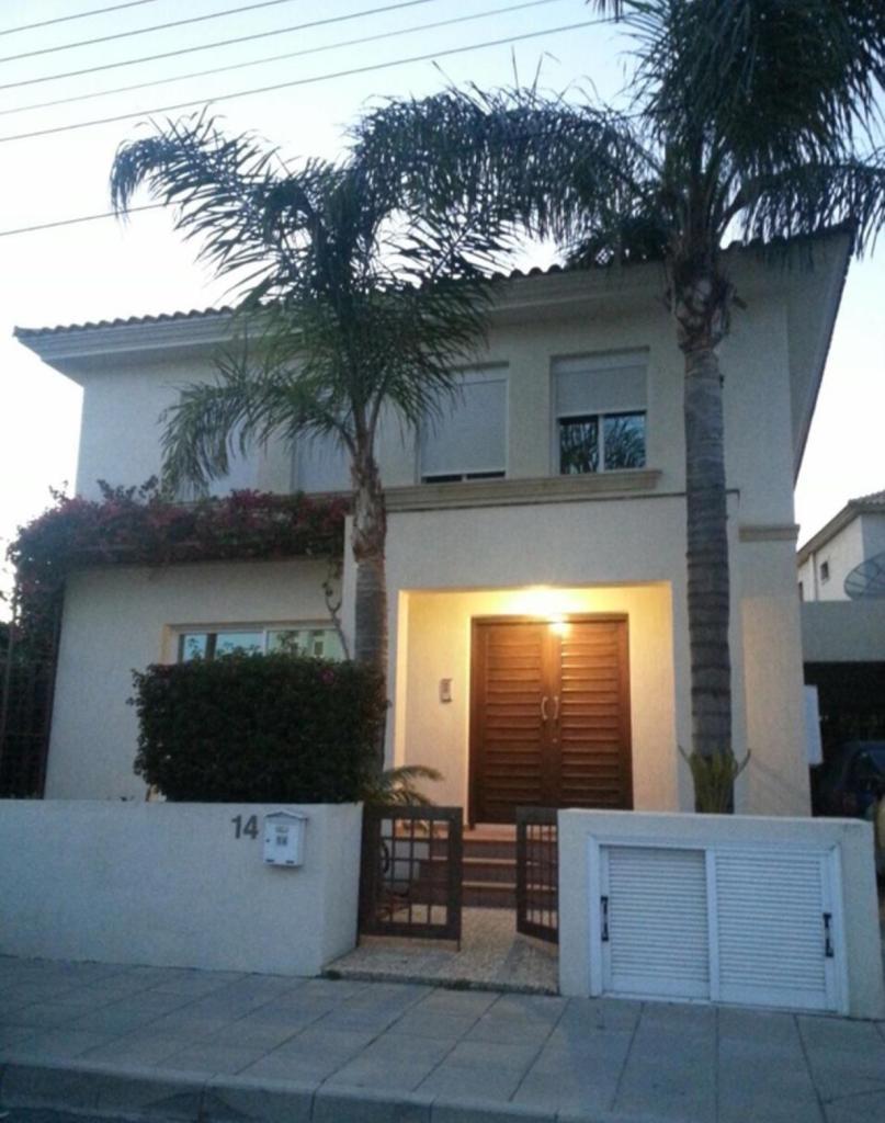 4 bed Villa in Limassol, Germasogeia
