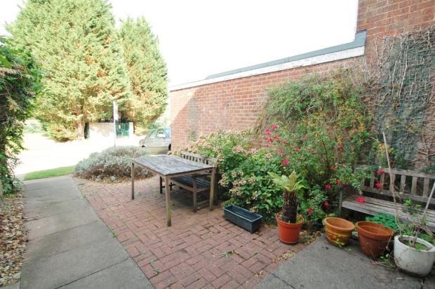 Front courtyard gard