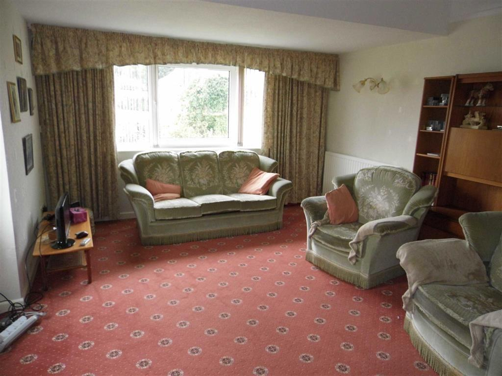LOUNGE - to the fron